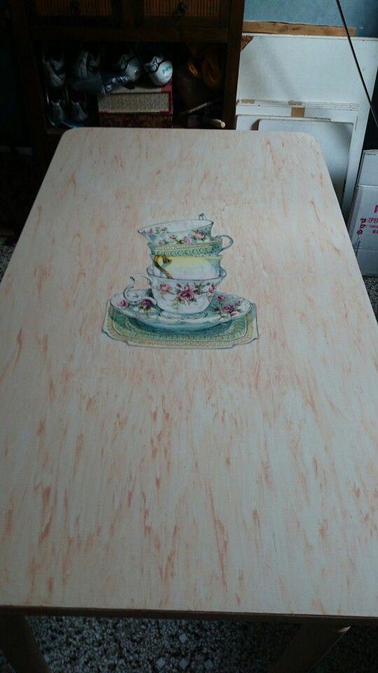 Pianale di tavolo in laminato ridipinto, con trasferimento di immagine e cera colorata!