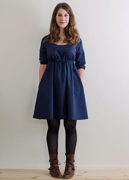 Aubépine dress I must have this pattern! Most of their patterns seem to have pockets too! Who doesn't love pockets?!?