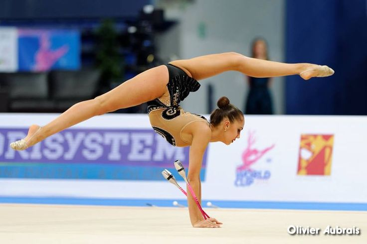 Margarita Mamun, Russia, got 2 place in clubs at World Cup Pesaro 2015