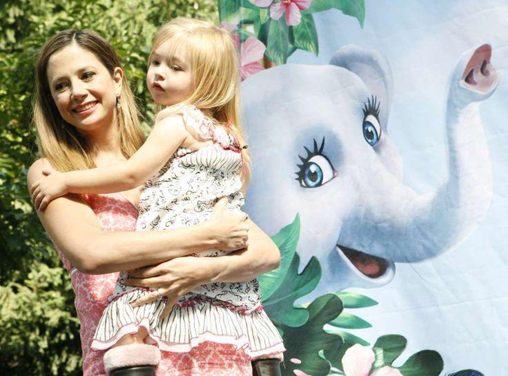 17. Мира Сорвино родила четвертого ребенка в 44