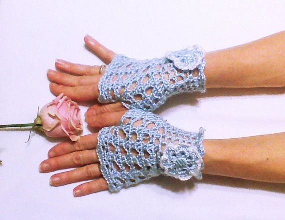 Hey, I found this really awesome Etsy listing at https://www.etsy.com/listing/175434935/flower-crochet-glove-bridesmaid