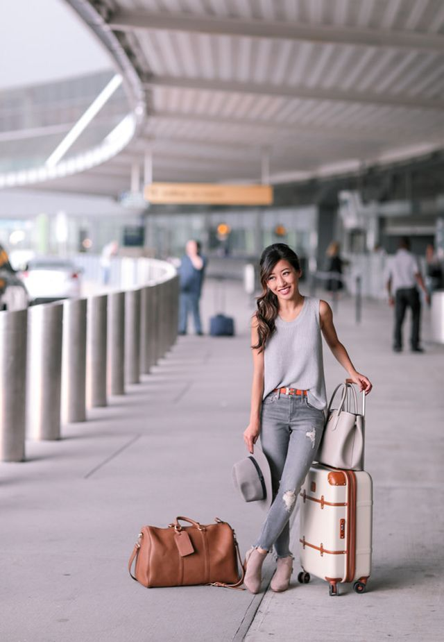 Gray Jeans + Ankle Booties // Comfy Airport Travel Outfit | Extra Petite | Bloglovin'