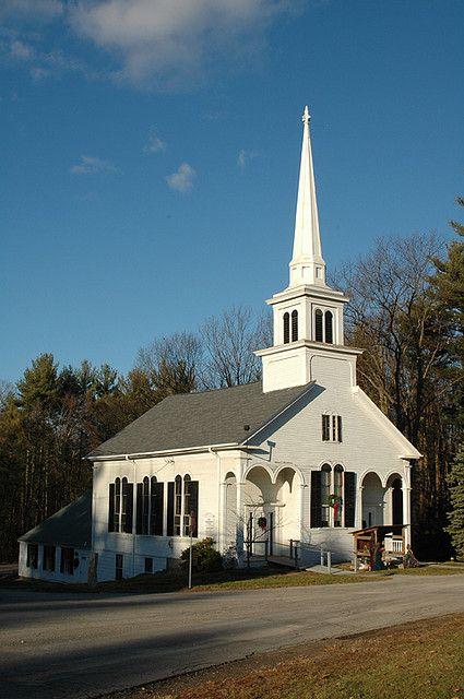 dit is een kerk in het plaatsje New Hampshire  en de meeste in de vs zijn christenen maar door de migratie komen er veel ander geloven