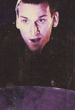 Christopher Eccleston as The Doctor <--- I ABSOLUTELY LOVE the little face he makes here. I think this is what clinched it for me <3