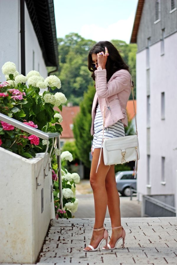 http://fashionhippieloves.com/2014/07/pastel-marine-outfit/
