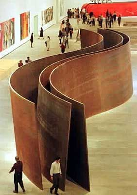 "Guggenheim Bilbao. Vista aerea de ""La serpiente"" de Richard Serra."
