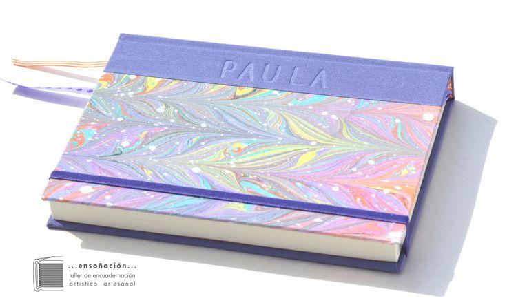 •Cuaderno Marmolado• para Paula hacia Quilmes • Cuaderno A5 (15 x 21cm) • Encuadernación cartoné cubierta de tela marmolada de fibras para el alma y tela lisa•Personalizado con bajorrelieve•15…