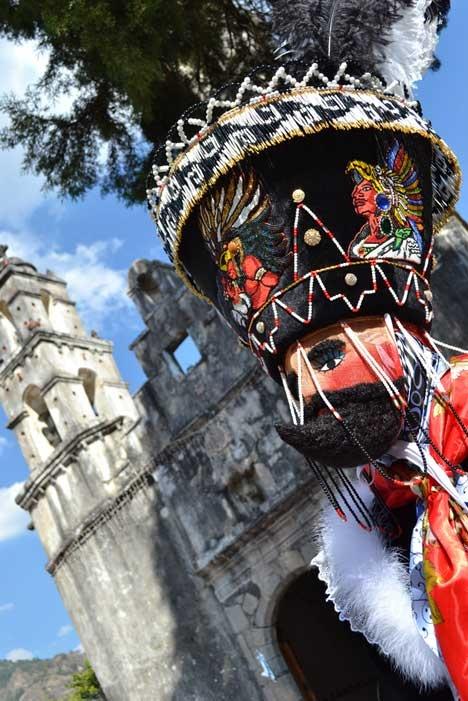 Chinelos en el Carnaval de Tepoztlan, Morelos