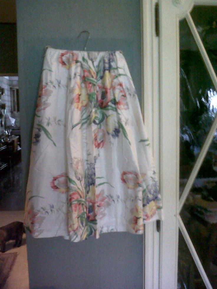 A 50s Gros grain floral midi skirt