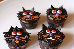 Black Cat cup cakes!: Cat Cupcakes, Kitty Cat, Halloween Cupcakes, Birthday Cupcakes, 1St Birthday, Yummy Halloween, Cups Cakes, Black Cat, Cupcakes Rosa-Choqu