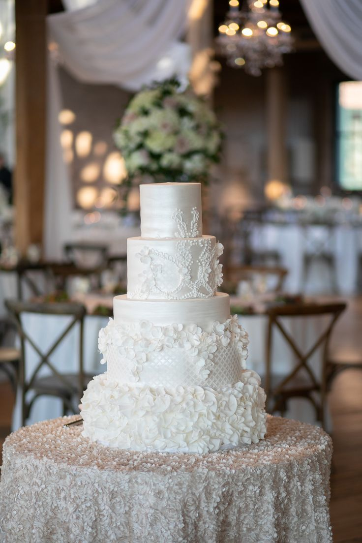 All White Wedding Cake Design Elegant Urban Chicago Wedding
