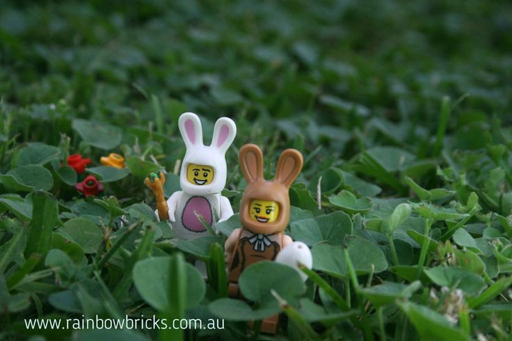 https://flic.kr/p/SVbCjN | Happy couple and their travels | Kevin - Rainbow Bricks LUG #rainbowbricks #LEGOEaster