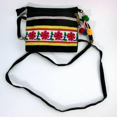 Aliexpress.com: Compre Étnica Hmong Tribal do vintage Thai Indiano Boêmio bolsa de ombro messager bolsa bordados feitos à mão pom pom guarnição SYS 093 de confiança pom fornecedores em STS Sure Top Shining