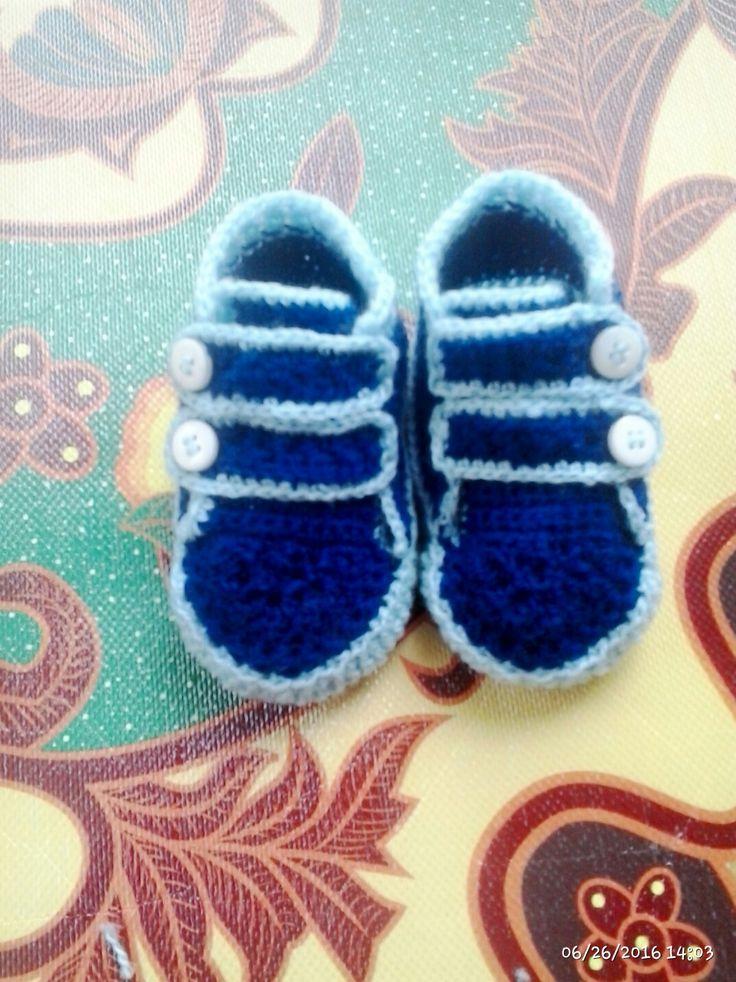 Sepatu rajut buat mr.emery (my baby boy)