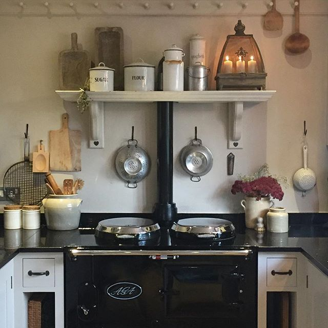 Best 25 romantic cottage ideas on pinterest romantic for Kitchen designs with aga cookers