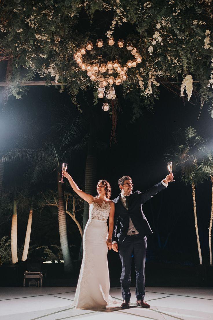 Hacienda Vista Hermosa wedding in Tequesquitengo Mexico; photography by Joel + Justyna Bedford;