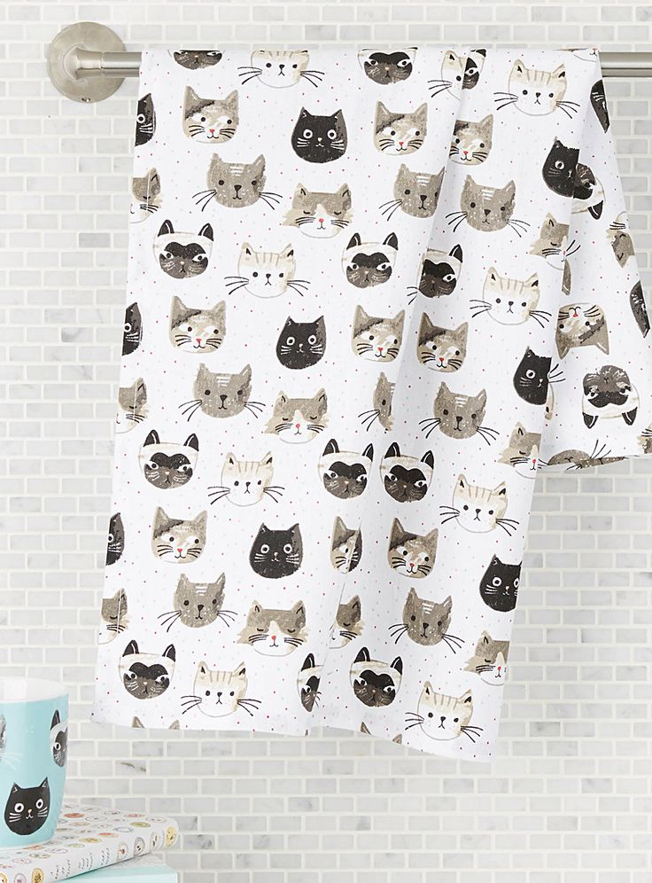 A Canadian design by Danica at Simons Maison A simply adorable tea towel, perfect for cat lovers with its depiction of kittens on a multicoloured confetti background. 18&quote; x 28&quote;