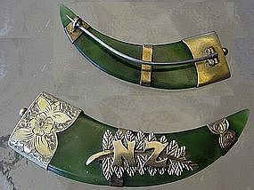 9ct Gold and Greenstone New Zealand Claw Brooch