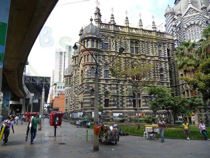 #Medellin #ParqueBotero Palacio de la CUltura Rafale Uribe Uribe
