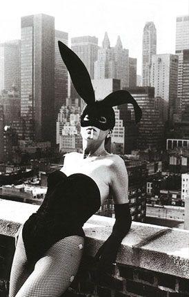 Elsa Peretti by Helmut Newton #style #helmutnewton #bunny