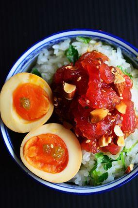 簡単でグルメなマグロ漬け丼+ 昆布つゆ漬けうまうま半熟卵のっけ|レシピブログ