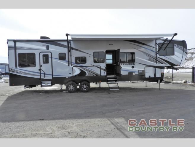 New 2019 Heartland Cyclone 3713 Toy Hauler Fifth Wheel At Castle