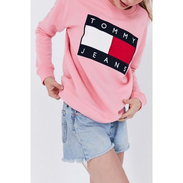 Tommy Jeans For UO '90s Pullover Sweatshirt ($129) ❤ liked on Polyvore featuring tops, hoodies, sweatshirts, tommy hilfiger top, pink sweatshirts, embroidered top, pink crewneck sweatshirt and crew neck tops