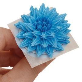 How to make a Pompom Flower. Step-by-step instructions.
