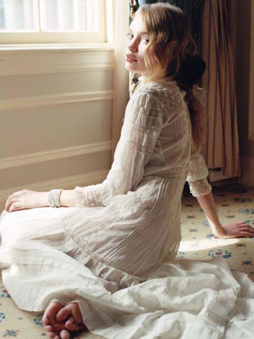 × Such a pretty vintage dress, so romantic! / #style #vintage #pretty