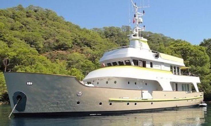 #Repost @longrangeyachts  Lady Dida a 30m converted expedition #superyacht. . . . #longrangeyachts #yachtdesign #yachtconcept #superyacht #exploreryachts #expeditionyacht #tugboat #luxuryyacht #yachtlife #yacht #superyachtdesign #yachtdesigner #trawler #yachtconversion #forsale