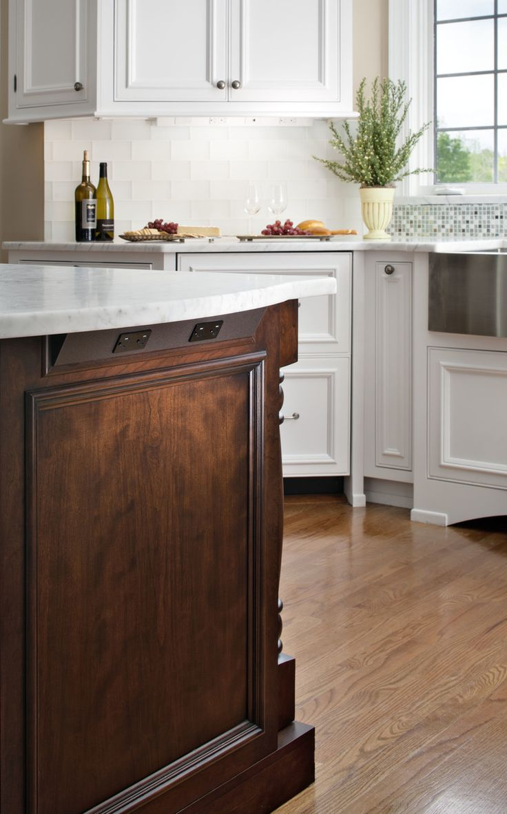 Under Cabinet Outlets Kitchen 25 Best Ideas About Transitional Undercabinet Lighting On