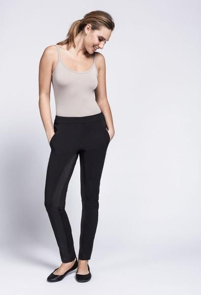 No need to sacrifice comfort for style with this stylish tapered pant. Glide silently through the room with the sleek fitness fabric inseam with contrasting spa material outline.  Smooth front and elastic back waistband. Signature spa fabric throughout with contrasting lightweight fitness fabric on the inseam. Two front welt pockets and one back welt pocket on right hand side. Composition : 74% Polyester, 22% Nylon, 4% Spandex, Trim 92% Polyester, 8% SpandexCare Instructions : Machine…