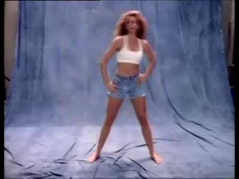 Утренняя зарядка от Синди Кроуфорд: идеальное тело всего за 10 минут в день!