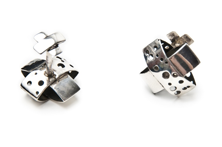 Liana Salagean - Romanian Designer  http://www.designercraft.eu/cufflinks/silver-cufflinks   90.60€  Silver Cufflinks  Made of: 925 sterling silver.