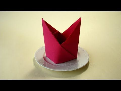 Servietten falten: Bischofsmütze z.B. zur Hochzeit als Tischdeko - YouTube