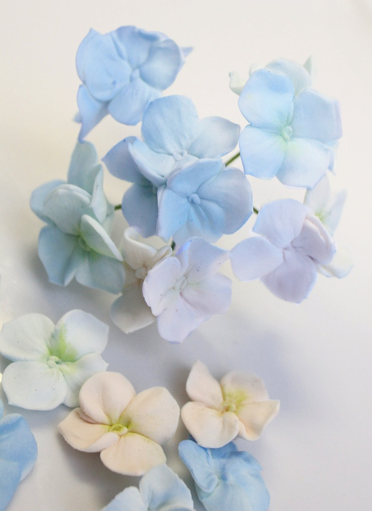 Cake Decorating Hydrangea Flowers : Hydrangea Bunch Cake Decoration 4 inches 1 by ...