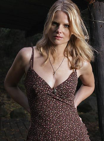 joelle carter as ava on justified
