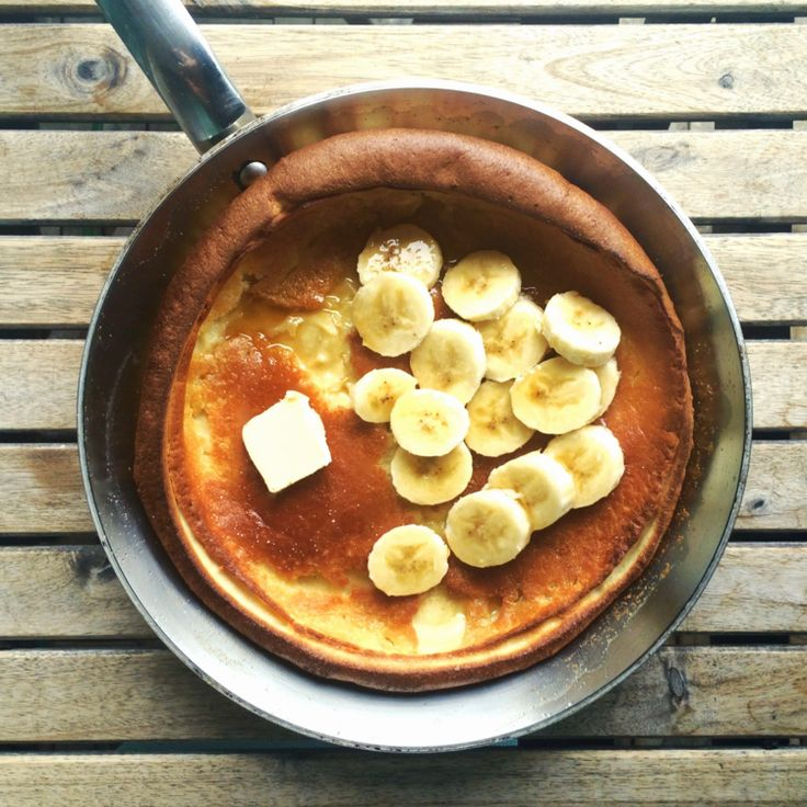 This giant, puffed pancake called a Dutch Baby (don't ask me why), covered in pure maple syrup and bananas, is definitely do-able and, dare I say, even more delicious than your standard, North American pancake stack. It also required much less labour which is great by me - See more at: http://www.apurefoodkitchen.com/dutch-baby-german-pancake/