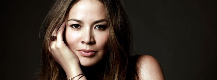 Moon Bloodgood terminator salvation actress facebook cover