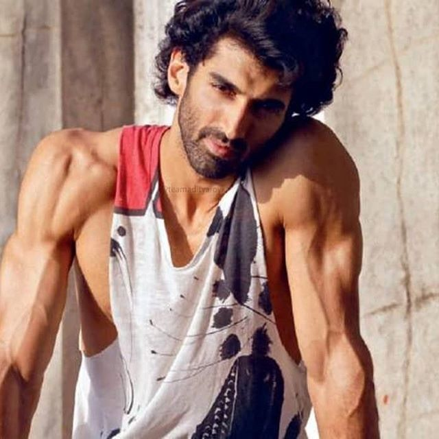 Wow Look At Those Guns And He Has To Lose Them For Kalank Adityaroykapur Adityaroykapoor Bollywood Celebrities Roy Kapoor Bollywood Actors