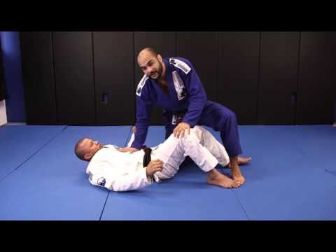 5x World Champ Bernardo Faria shows his principles of using pressure when passing the guard. You can buy his DVD at www.pressure-passing.com