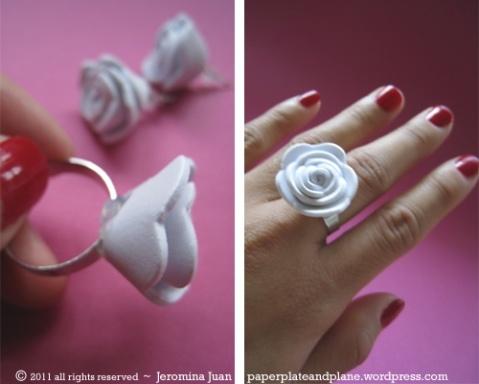 Accesorios con goma eva (paper plate and plane)Minis Rose, Minis Dog Qu, Foam Rose, Easy Crafts, Rose Earrings, Jewelry Rings, Rose Rings, Crafts Foam, Paper Plates