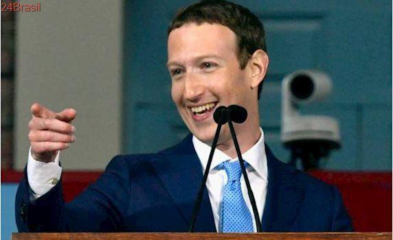 CEO do Facebook contrata estrategista da campanha de Hillary Clinton