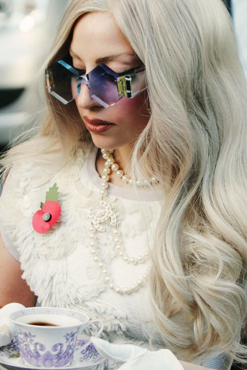 Lady Gaga/ A beautiful mix of balanced Libra and pops of Aries