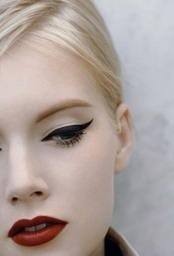 Vamp up the pin-up girl look with bold eyeliner.