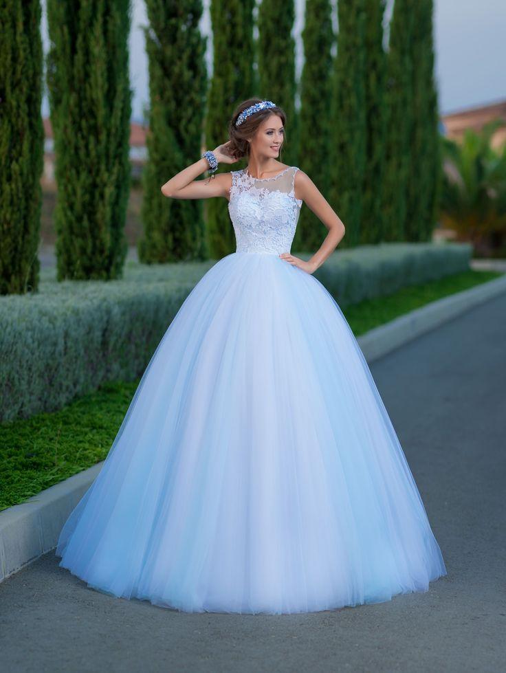 76 best Bridal Room : Hadassa images on Pinterest   Bridal gowns ...