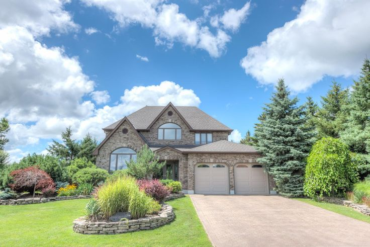 6 Bedroom, 4.5 Bathroom, 4831 sq ft, w/ Finished Basement, on a Private 109x204' Lot! -   $729,888 - http://www.JeffBroughton.ca/listing/cms/51-prince-of-wales-gate-london/  #RealEstate #ForSale in #London #Ontario by #Realtor