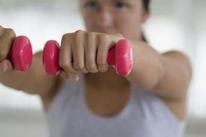 Muscle-Building Workout Plan for Women | LIVESTRONG.COM