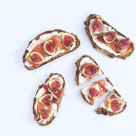 Staat er een brunch gepland? Waarom niet eens verschillende bruschetta's op tafel toveren? Jouw buffet heeft er nog nooit zo snel zó verrukkelijk uitgezien.