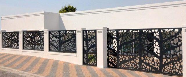 Ansamblu rezidential imprejmuire cu gard din panouri decorative